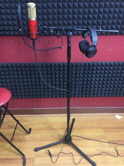 Chân đứng Micro phòng thu âm